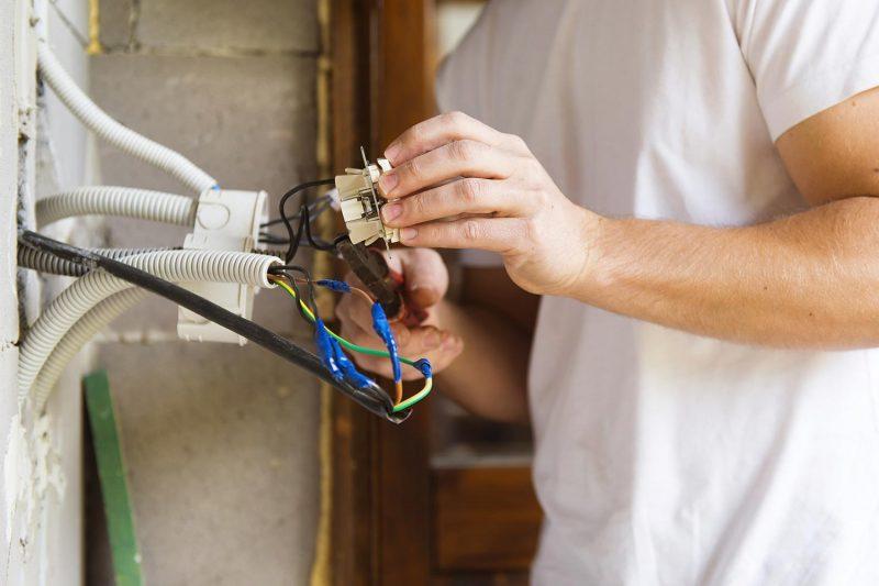 لوله کشی برق ساختمان