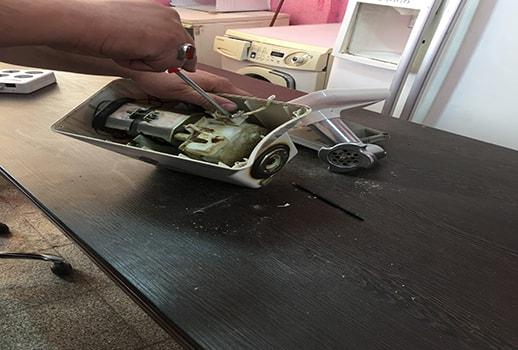 کارگاه تعمیرات چرخ گوشت