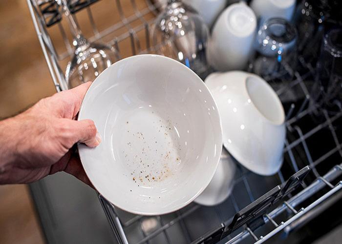 علت تمیز نشدن ظروف ظرفشویی