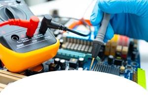 بنر آموزش تعمیرات بردهای الکترونیکی