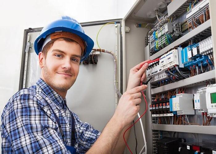 برقکار حرفه ای صنعتی