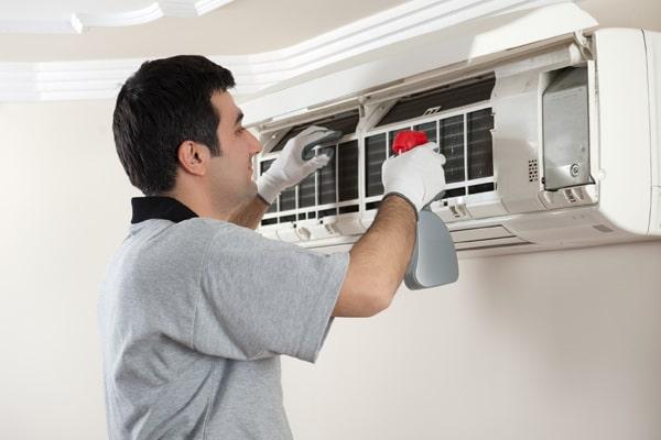 شستشو پنل داخلی کولر گازی