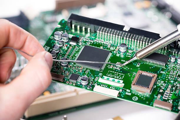 بهترین آموزشگاه تعمیر بردهای الکترونیکی
